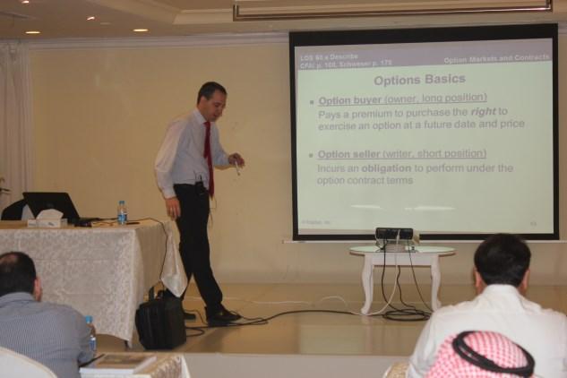 معهد خبراء المال للتدريب يستضيف خبيرا أسبانيا ضمن برنامج CFA نادي خبراء المال